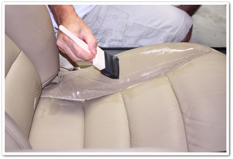 Applying Leatherique Rejuvenator Oil to 2008 Chevy Corvette leather seats