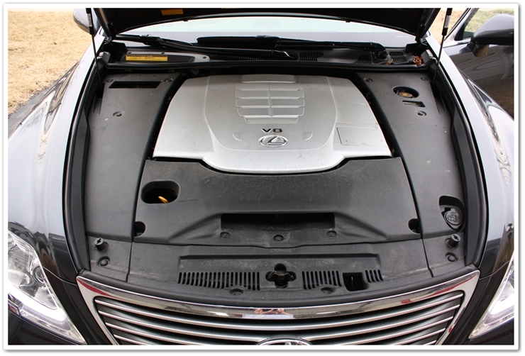 2008 Lexus LS460L engine bay before detailing