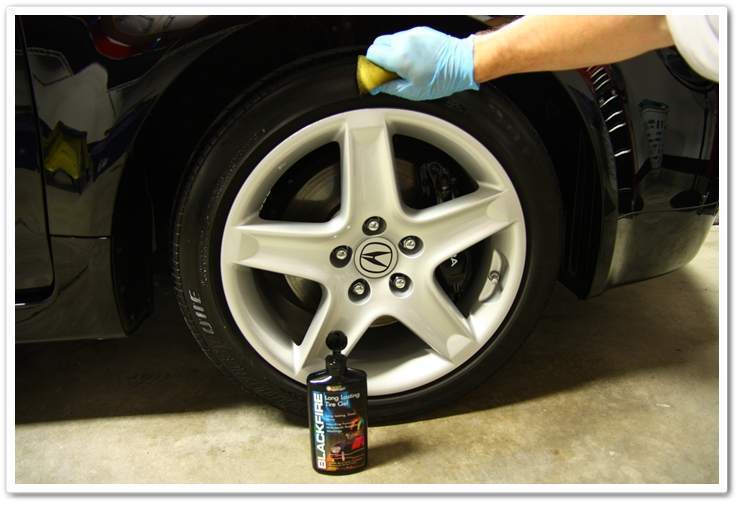 Applying Blackfire Long Lasting Tire Gel to an Acura TL after an Esoteric Auto Detail