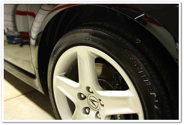Blackfire Long Lasting Tire Gel applied on an Acura TL after an Esoteric Auto Detail