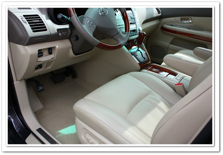 Lexus RX350 interior after an Esoteric detail