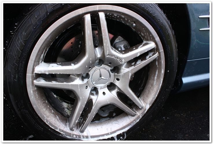 P21S Gel Wheel Cleaner and Total Auto Wash working on Mercedes AMG wheels