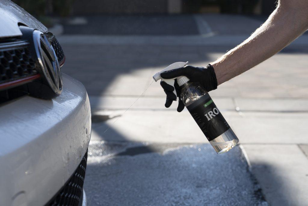 spraying ecoclean iron