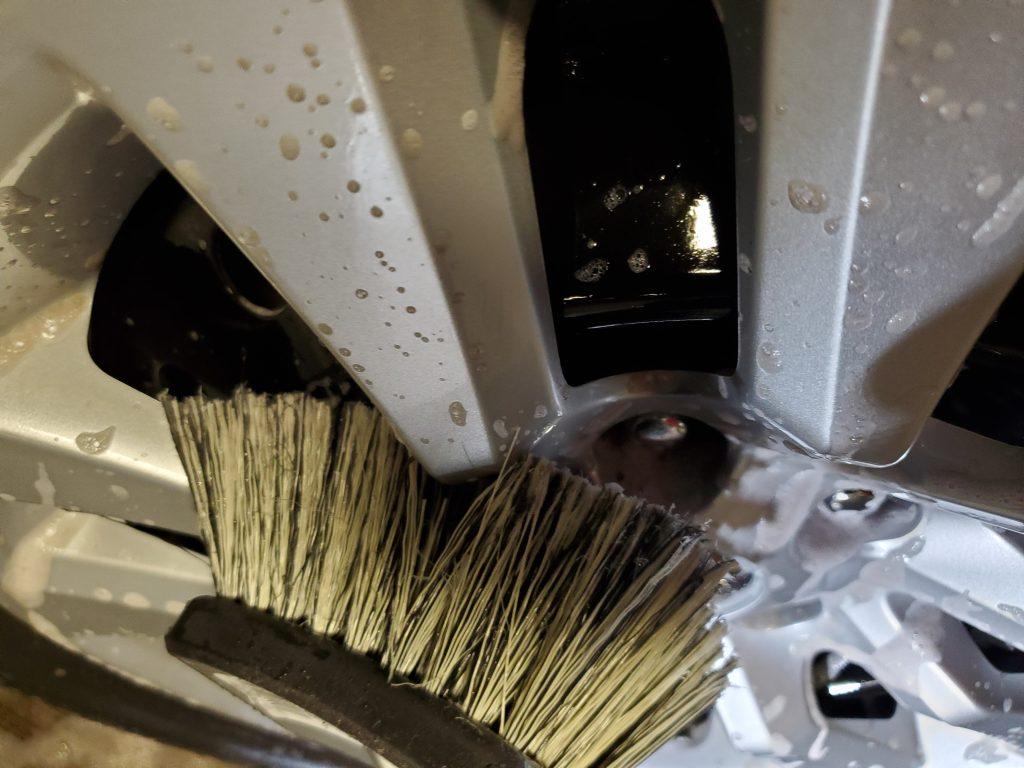 DI Wheel Cleaning Brush