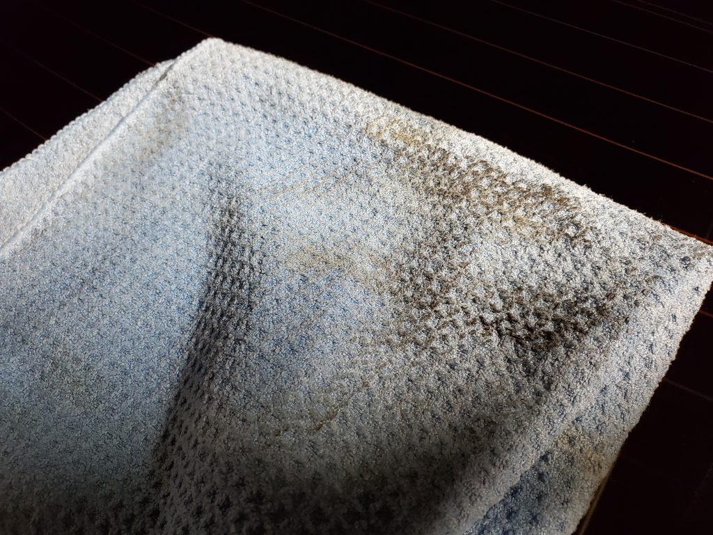 Dirty-Microfiber-Glass-Towel
