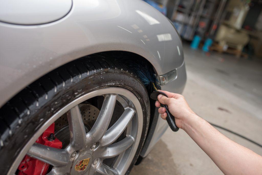 Detailing Porsche Wheel Arches