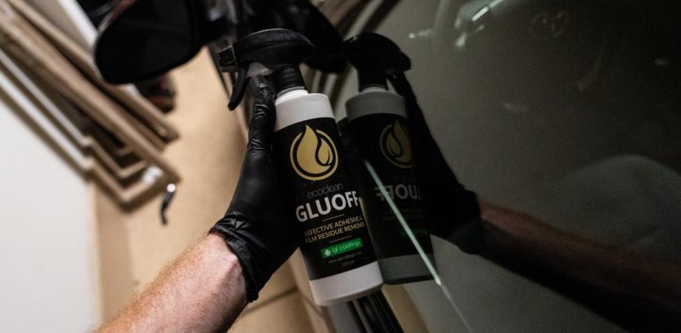 Gluoff-Bottle-Feat
