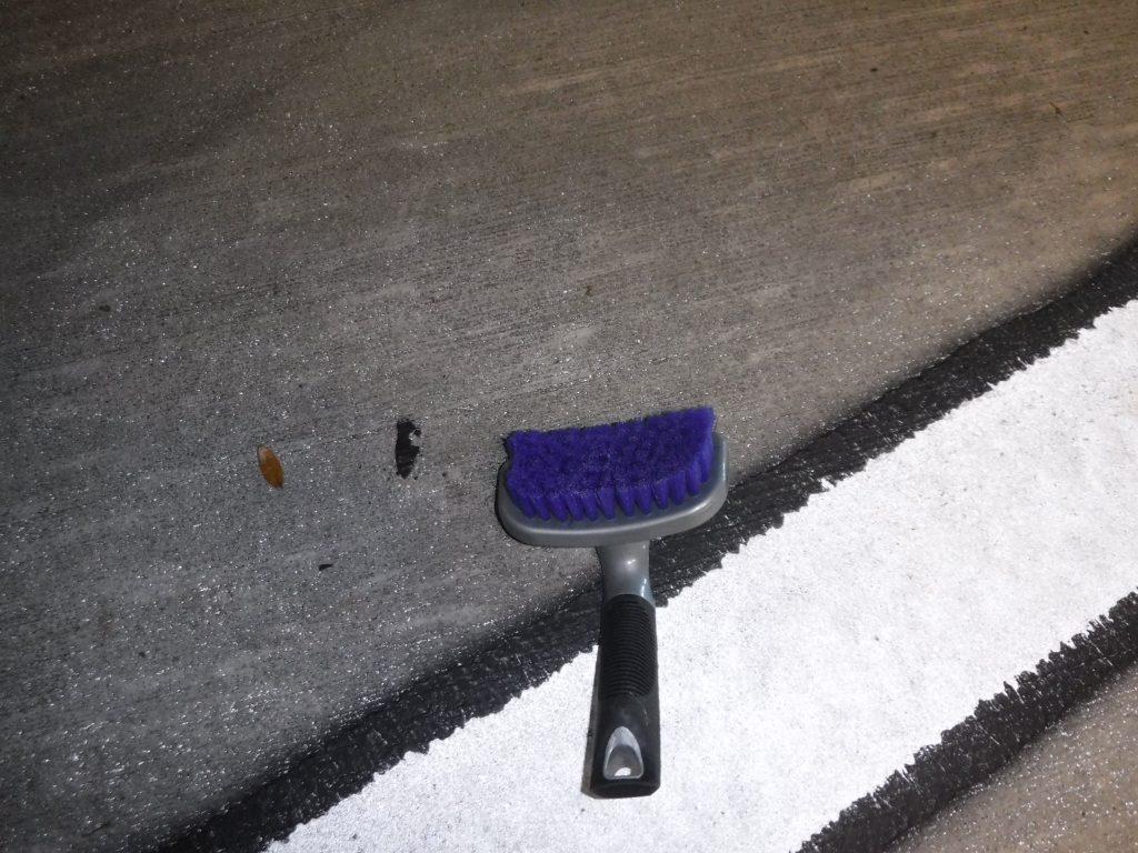 DI Brushes Deluxe Contour Tire Brush