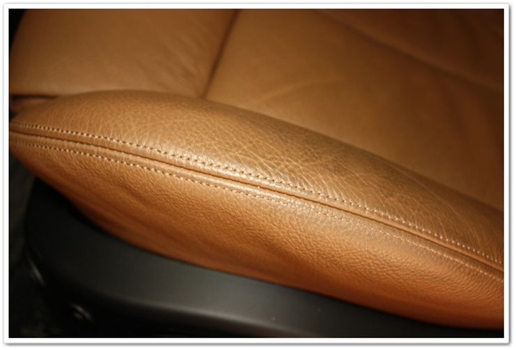2008 BMW M6 leather after 7k miles before restoration