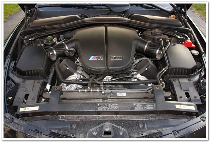 2008 BMW M6 engine bay before detailing