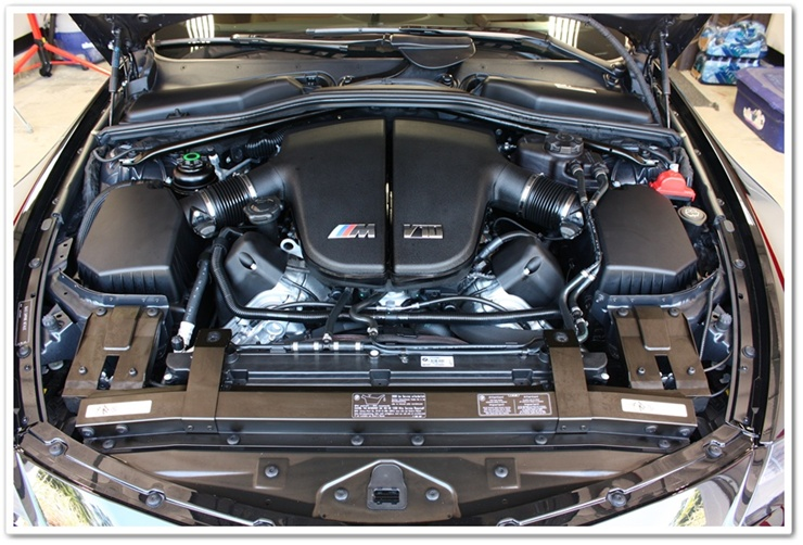 2008 BMW M6 black sapphire metallic engine bay detailed by Esoteric Auto Detail