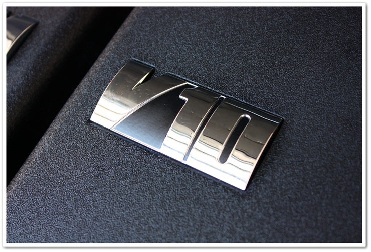 2008 BMW M6 black sapphire metallic V10 emblem