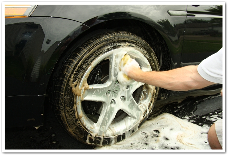 Dedicated wash mitt solely for the purpose of cleaning your wheels helps minimize swirls