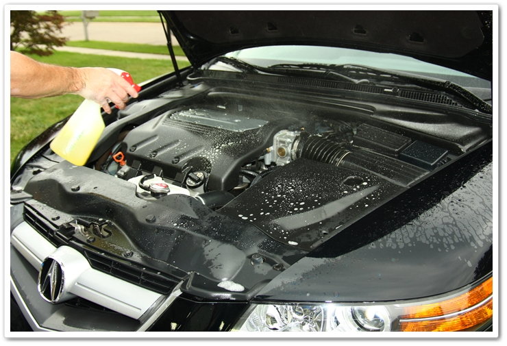 Using P21S Total Auto Wash to degrease the engine bay of a 2007 Acura TL