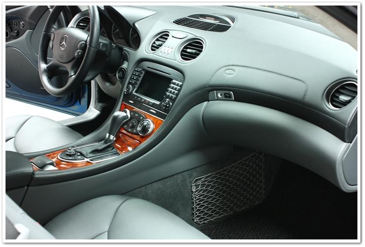 Interior detail shot of Mercedes SL500