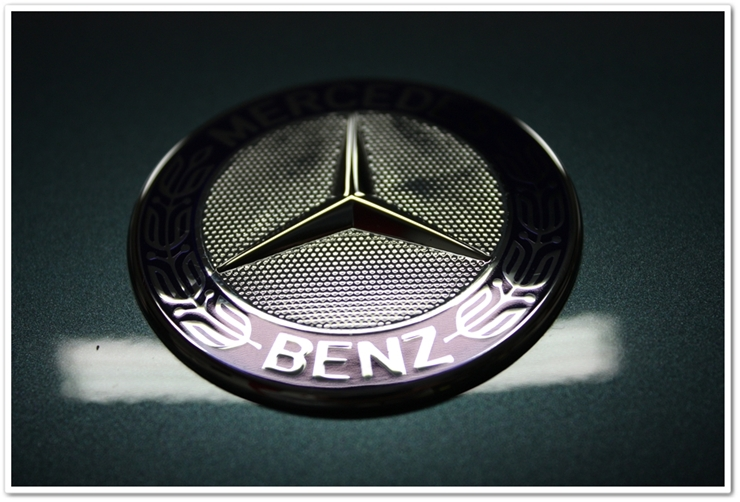 2006 Mercedes SL500 badge