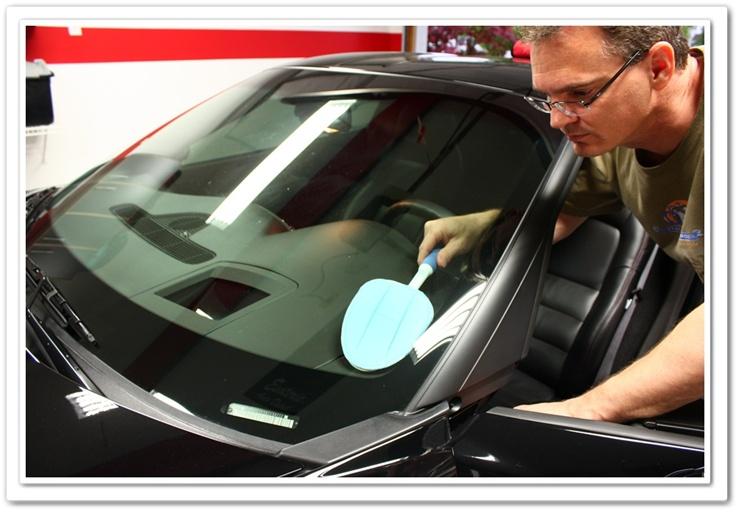 Using DI E-Z Mini Mop to clean Chevy Corvette windshield