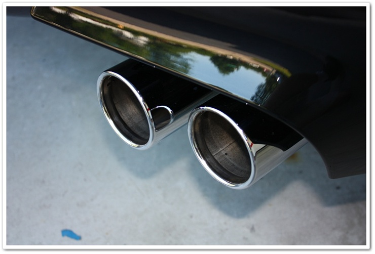 Polished 2008 BMW M6 exhaust tips after an Esoteric Auto Detail